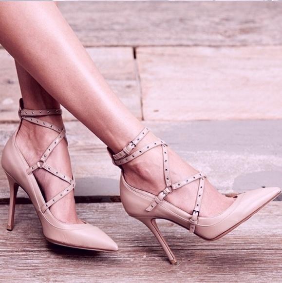 b4f58c1fb714 Valentino Love💞Latch Ankle Strap Nude Pumps Heels.  M 5afcb0c5077b97c6f7c2e174